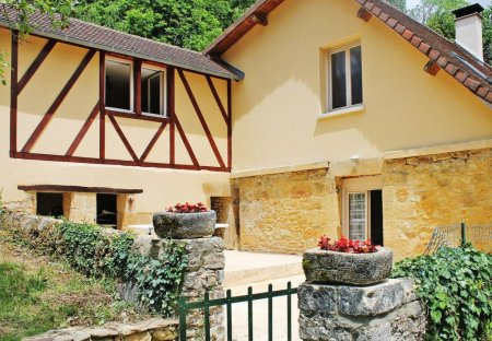 House in Le Pontet-La Plane, France