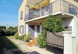 Apartment in Taillades, the South of France