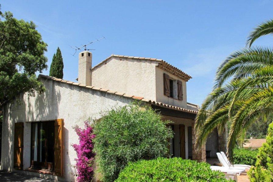 House in France, Fréjus