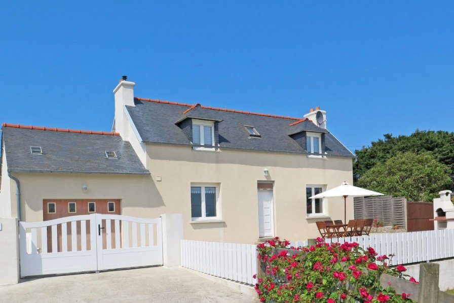 House in France, Pleubian