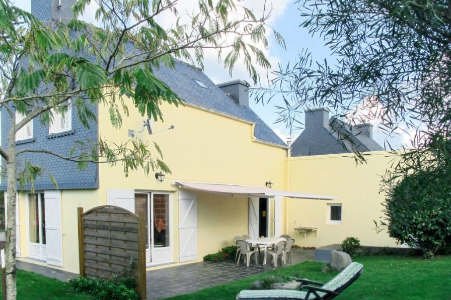 House in France, Trégastel