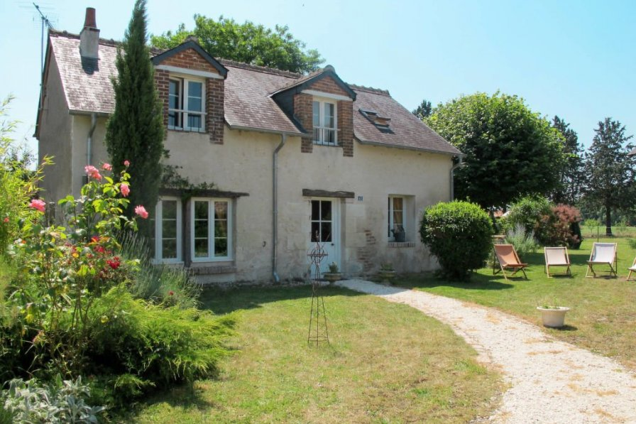 House in France, Monteaux