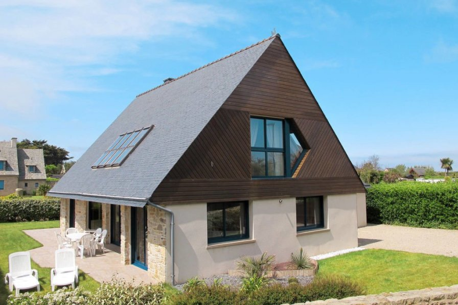 House in France, Santec
