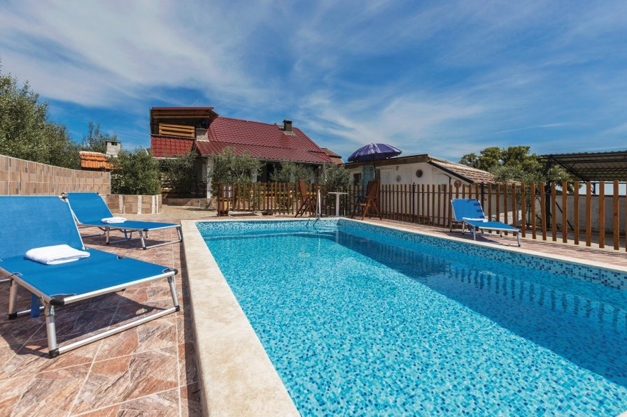 Villa rental in Valtura with swimming pool