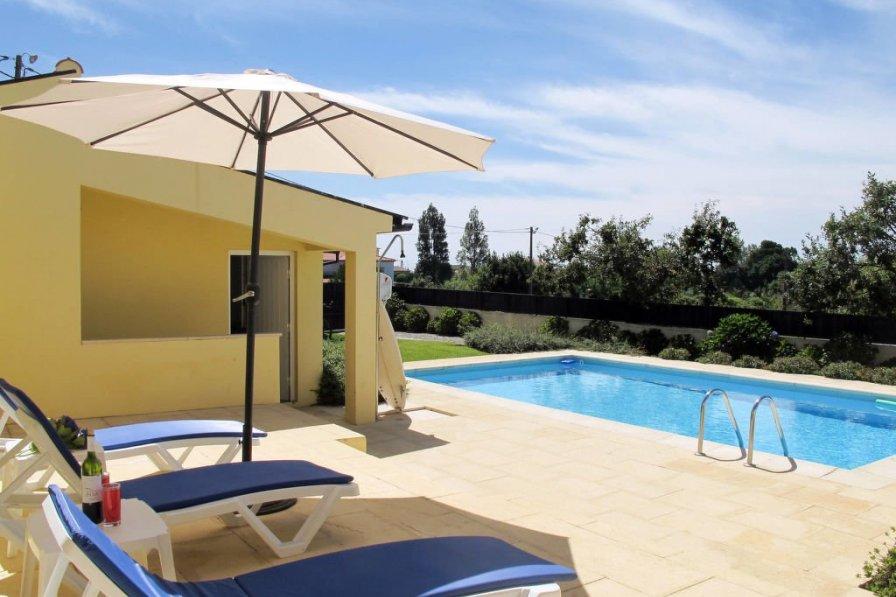 Ferienhaus mit Pool (AFI105)