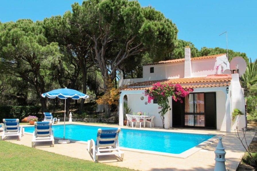 Ferienhaus mit Pool (VDL101)