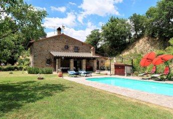 5 bedroom Villa for rent in Arezzo