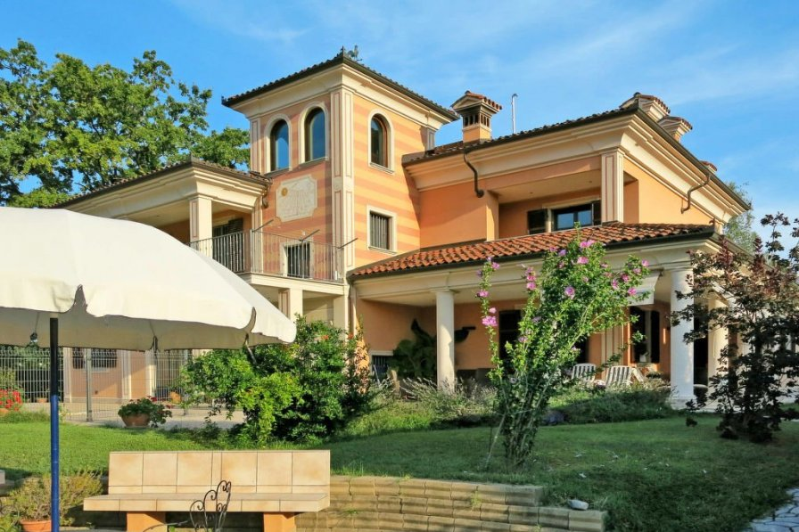 Villa in Italy, Vicoforte
