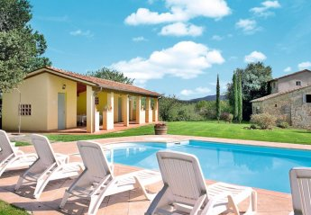 5 bedroom Villa for rent in Bucine