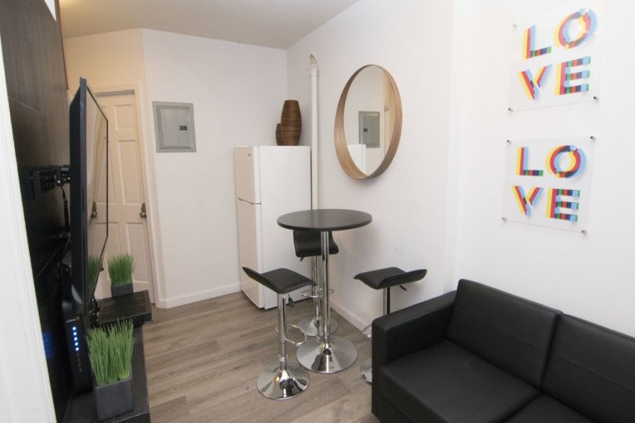 Renovated 2 Bedroom Furnished Apartment, Little Italy