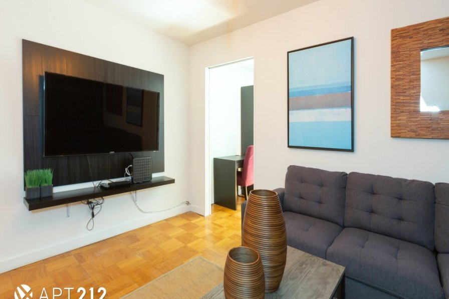 2 Bedroom Renovated Condo , Heart of Soho