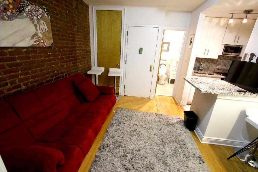 CUTE AND COZY 2 BEDROOM IN TIMES SQUARE APARTMENT