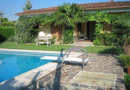 Villa in Mattarana, Italy