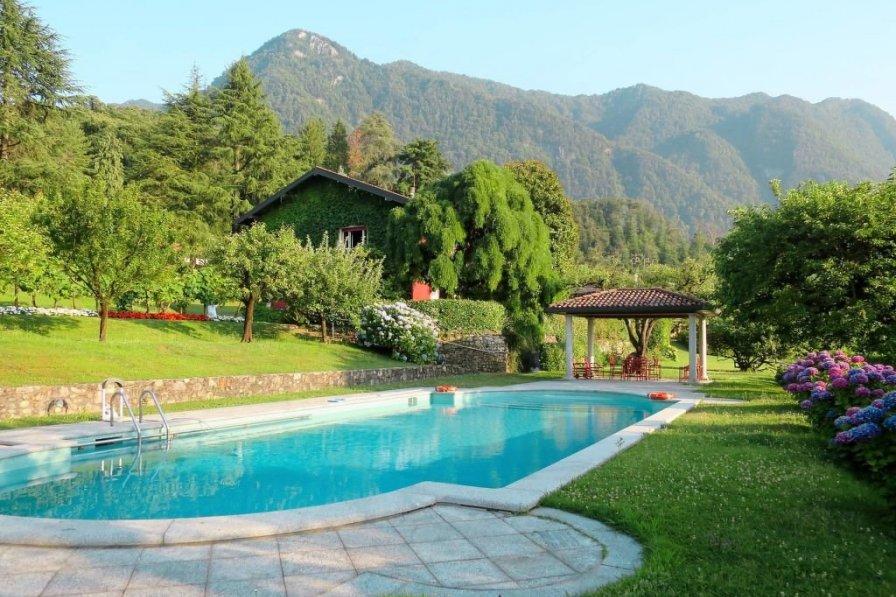 Villa in Italy, Castello