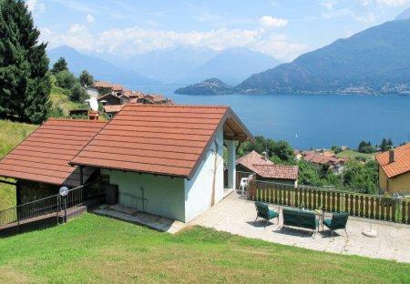 Villa in Calozzo, Italy