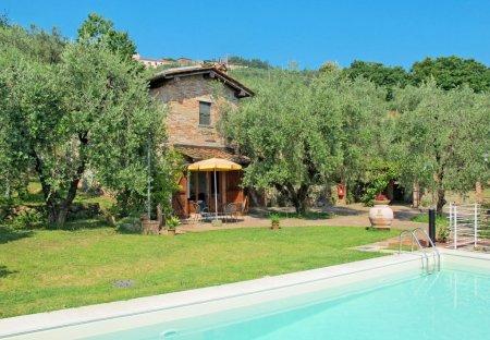 Villa in Pieve a Nievole, Italy