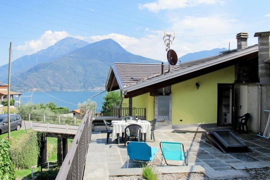 Villa in Italy, Musso