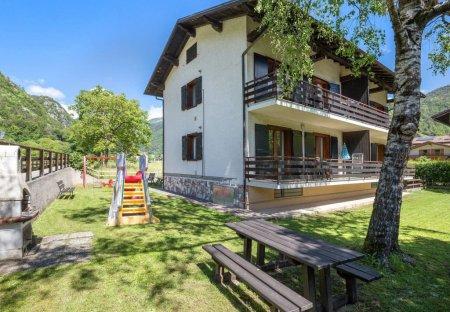 Apartment in Pieve di Ledro, Italy