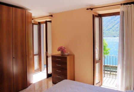 Villa in Colonno, Italy