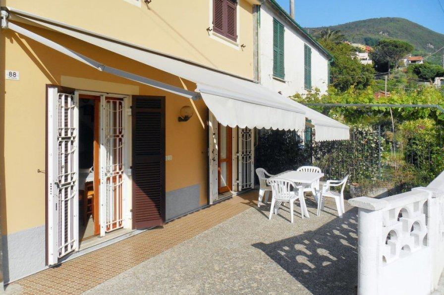 Villa in Italy, Moneglia
