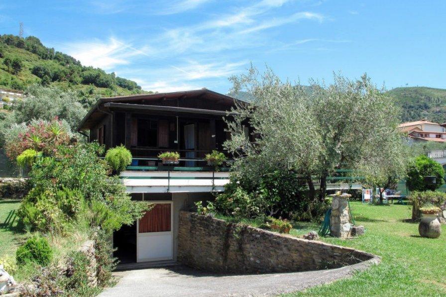Villa in Italy, Capanne-Prato-Cinquale