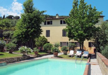 4 bedroom Apartment for rent in Lucca