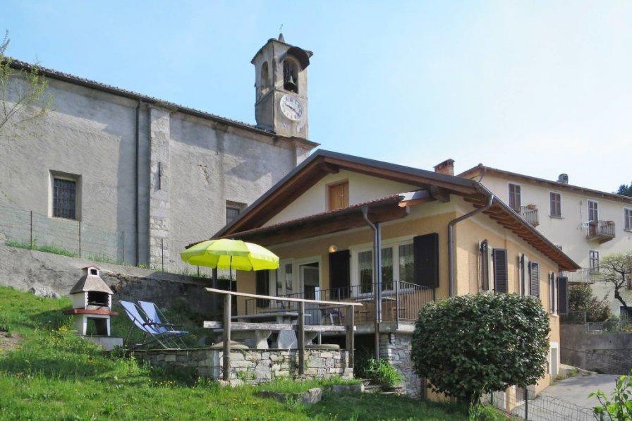 Villa in Italy, Trarego