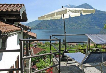 Apartment in Calozzo, Italy