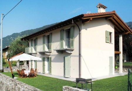 Villa in Lenno, Italy