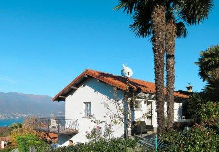 Villa in Porto Valtravaglia, Italy