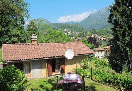Villa in Codogna-Cardano, Italy