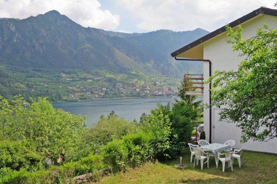 Villa in Italy, Tre Capitelli
