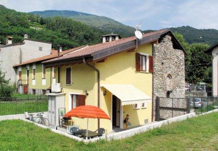 Villa in Sorico, Italy