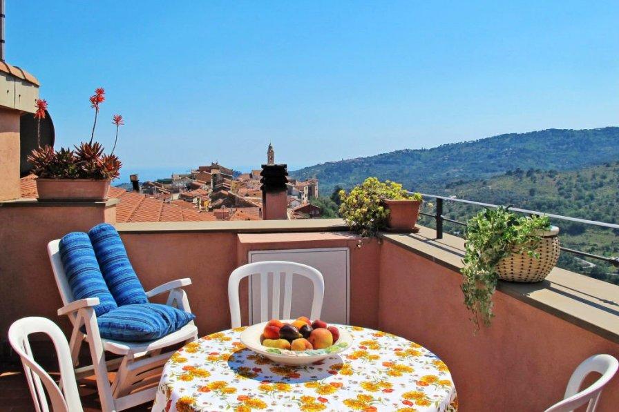 Apartment in Italy, Civezza