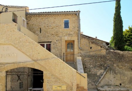 House in Laudun-l'Ardoise, the South of France