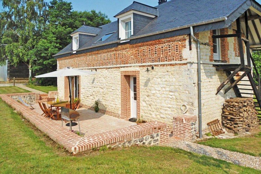 House in France, Bréauté