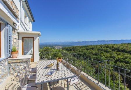Villa in Dobrinj, Croatia