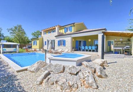 Villa in Mužini, Croatia