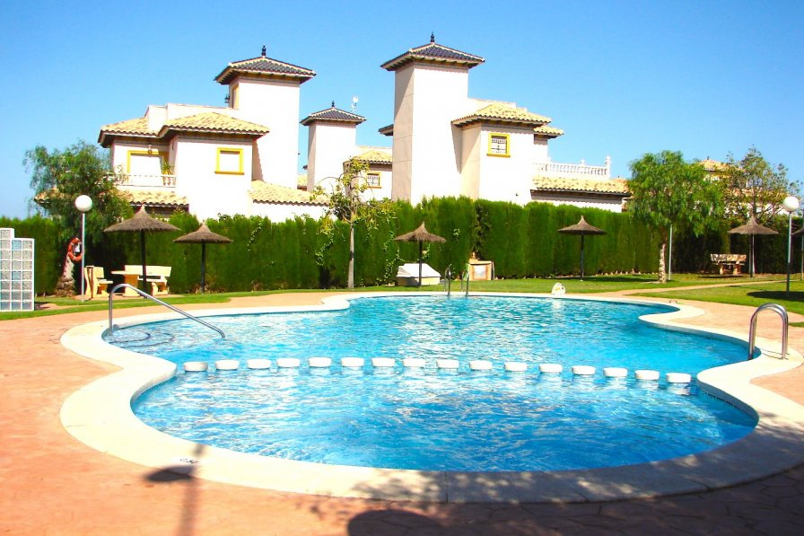 Costa Blanca South - 3 Bed House / Wi-Fi / Pool / A/C - Cabo Roig