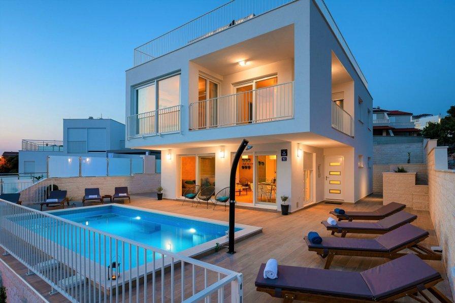 Villa White Harmony with Pool