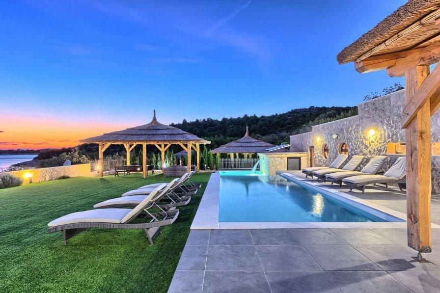 Villa in Croatia, Jezera