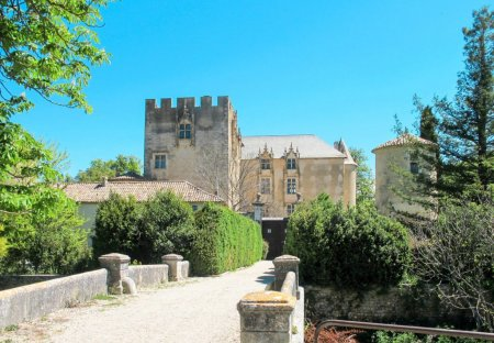 Apartment in Allemagne-en-Provence, the South of France