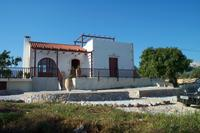 Villa in Greece, Litsarda: The villa is situated down a quiet track.
