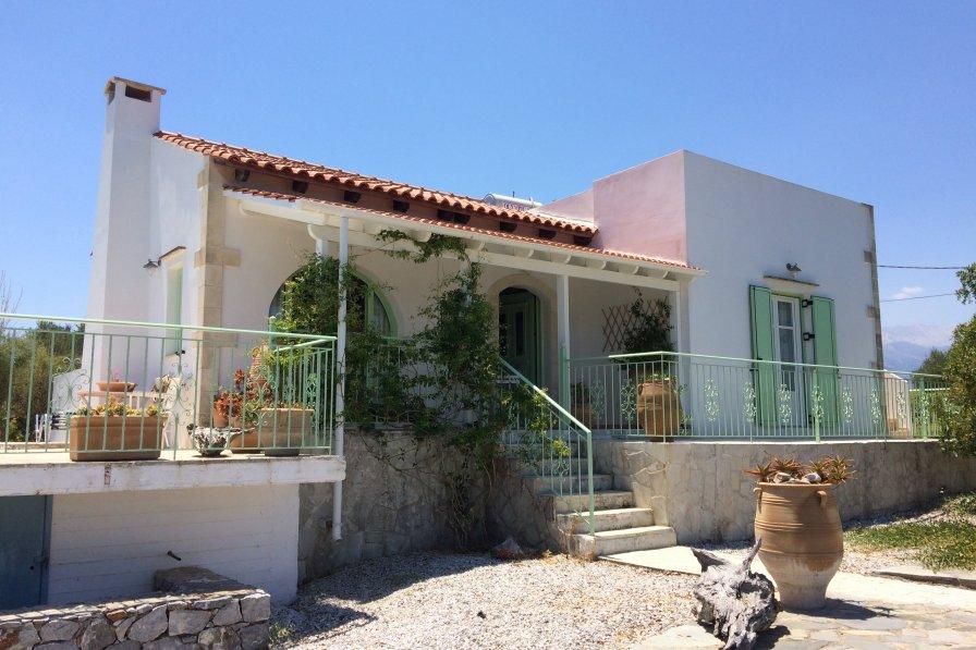 Villa in Greece, Litsarda