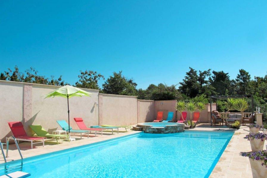 Apartment in France, Bagnols-en-Forêt