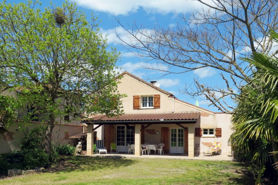 Villa in France, Albas