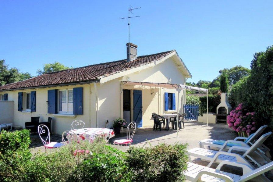 House in France, Jau-Dignac-et-Loirac