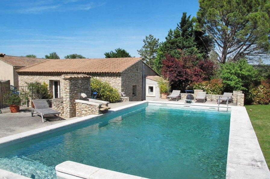 House in France, Velleron