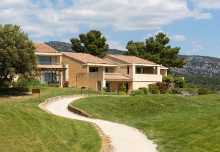 Apartment in Saumane-de-Vaucluse, the South of France