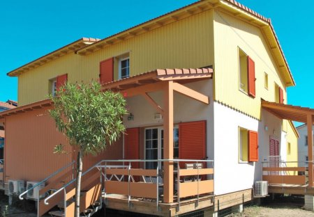 Apartment in Etangs et Plages, the South of France